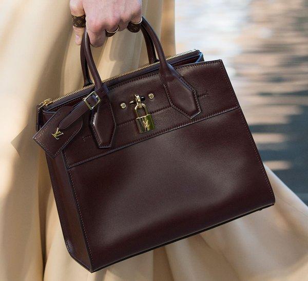Những thiết kế túi xách nữ LV vẫn không bao giờ hết mốt bởi sự sáng tạo trong thiết kế