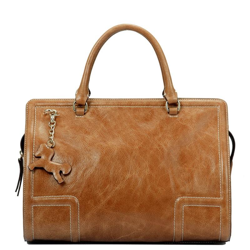 Mẫu túi xách phong cách Châu Âu chất liệu được chọn lọc kĩ càng TU1520; Giá: 2.880.000đ